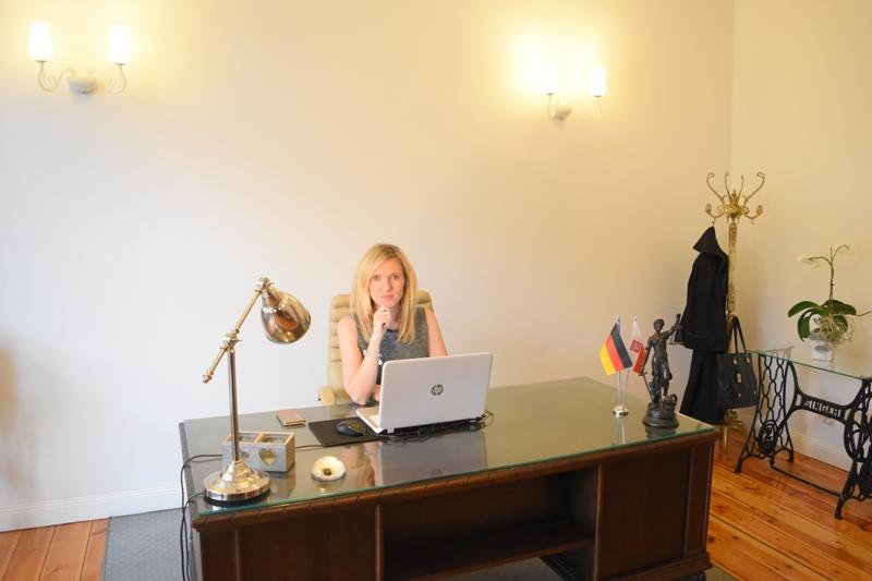 Die Anwaltskanzlei Monika Osińska-Majchrzak LL.M., mit dem Sitz in Stettin, ul. Pilsudskiego 20/4  bietet komplexe Rechtsdienstleistungen an